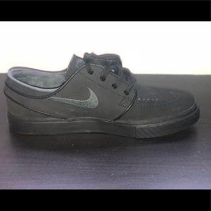 Nike Shoes - Black Nike Stefan Janoski skate shoes